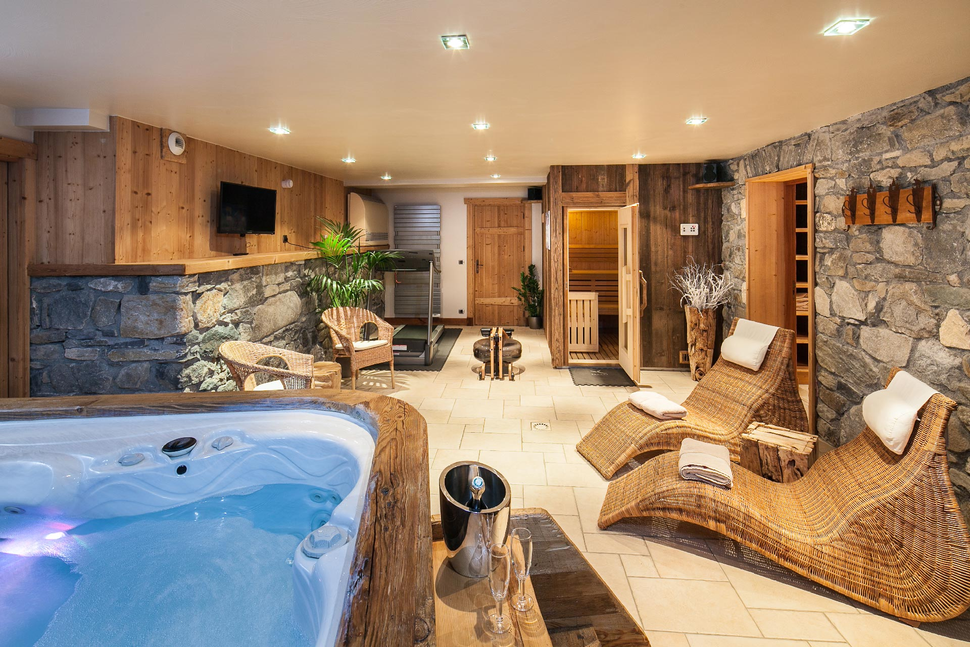 Location chalet luxe jacuzzi sauna meribel